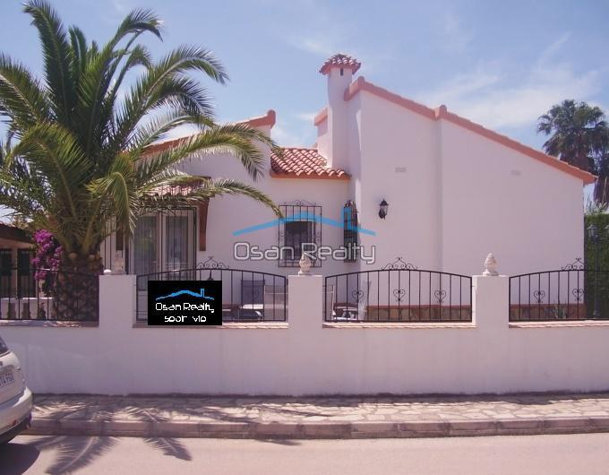 Chalet en Denia zona Les Deveses playa 9613