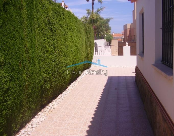 Chalet en Denia zona Les Deveses playa 9615